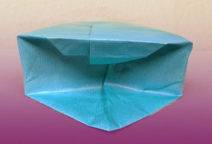 Formez des triangles en pliant les côtés