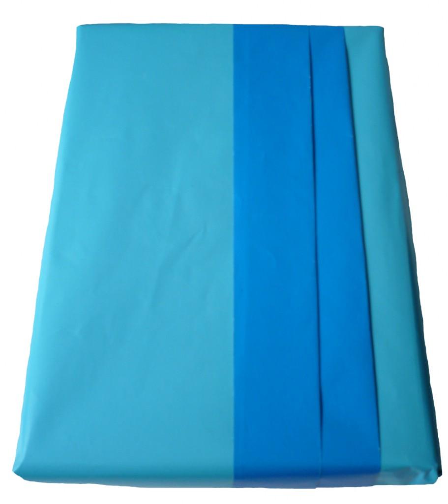 Comment emballer un livre en cr ant un pli enveloppe emballage cadeau - Comment emballer un cadeau rond ...