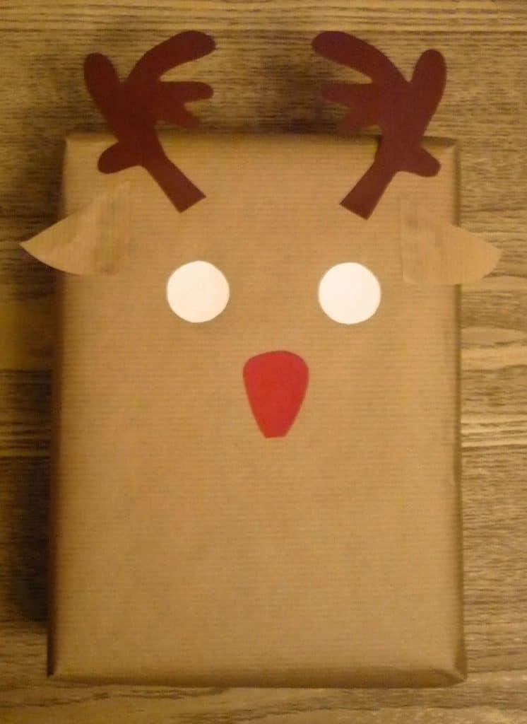 emballage cadeau de no l le renne emballage cadeau. Black Bedroom Furniture Sets. Home Design Ideas