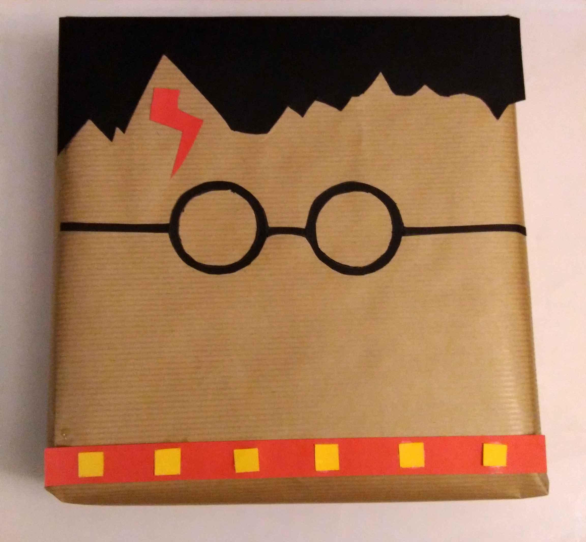 emballage cadeau harry potter un sorcier comme d co cadeau emballage cadeau. Black Bedroom Furniture Sets. Home Design Ideas
